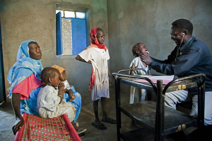 "Bild: ""Displaced Sudanese Undergo Medical Tests before Journey Home"" © United Nations Photo [CC BY-NC-ND 2.0]  - flickr"