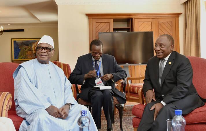 Ibrahim Boubacar Keïta Ex-Präsident Ibrahim Boubacar Keïta (links im Bild) fiel dem ersten Staatsstreich von Assima Goïta zum Opfer |  Bild: © GovernmentZA [CC BY-ND 2.0]  - Flickr